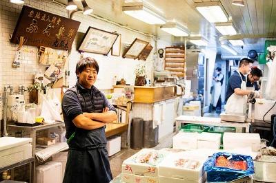 株式会社 丸弥太・創業大正8年、高級鮮魚店として錦丸弥太を開業